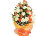 24 mixed fresh white & peach roses bouquet