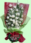 24 fresh white roses bouquet