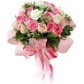 12  mixed fresh white & pink roses bouquet
